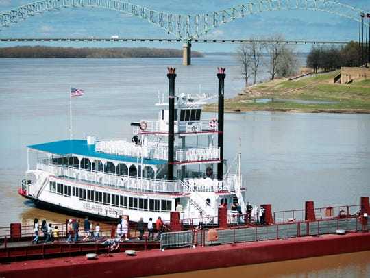 Tourists board the Island Queen for a river tour at Beale Street Landing, March 14, 2016.
