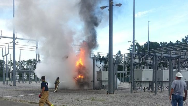 Lightning struck a JEA substation Tuesday evening, causing mass traffic light outages and leaving several thousand homes and business, including a hospital, without power.