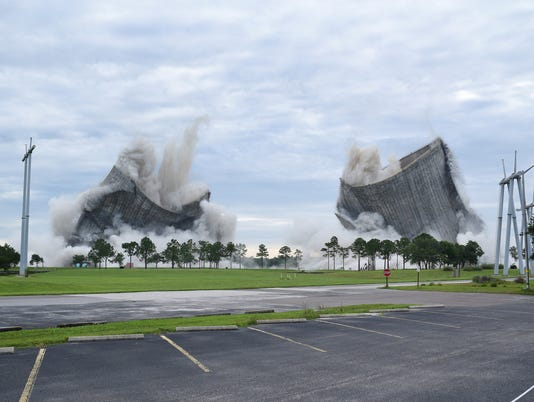 AP COOLING TOWERS IMPLOSION A USA FL