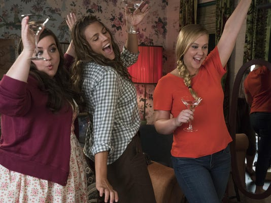 'I Feel Pretty' is bold take on self-love, but premise takes it on superficially