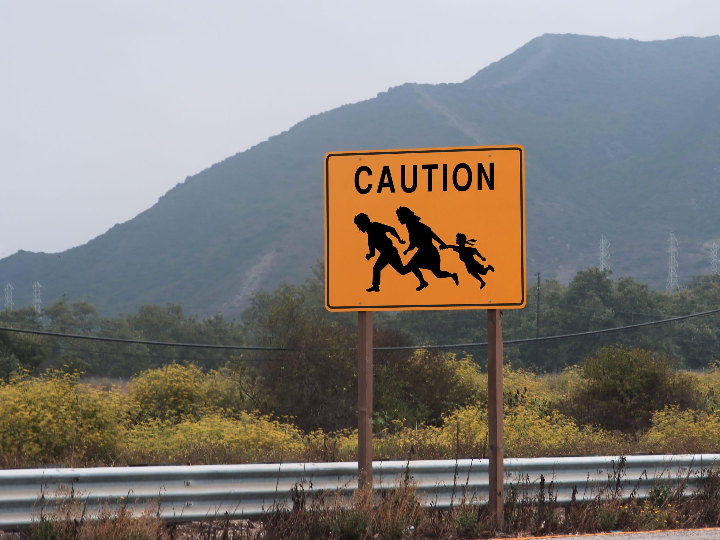 Debido al peligro que enfrentan, los migrantes buscan
