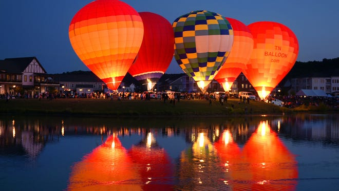 Franklin Hot Air Balloon Festival was held around the lake at Westhaven on Saturday, May 14, 2016.
