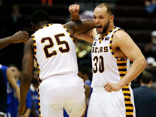 Missouri State Bears forward Jordan Martin (25) and