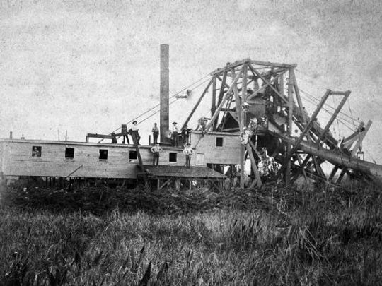 Hamilton Disston's monster dredge gnawed its way up the Caloosahatchee,