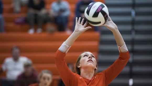 Mauldin's Ella Reames sets the ball during the Mavericks'
