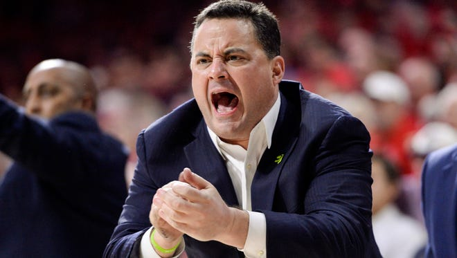 Jan 27, 2018; Tucson, AZ, USA; Arizona Wildcats head coach Sean Miller calls a play during the second half against the Utah Utes at McKale Center.