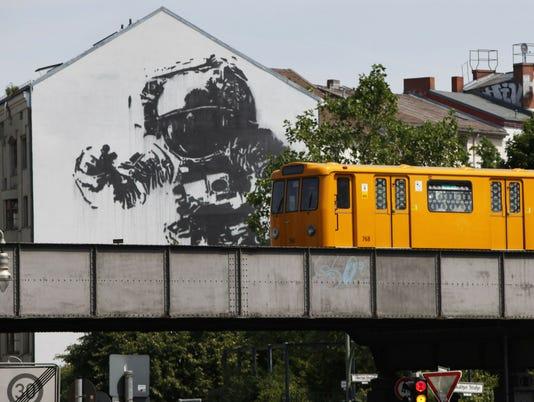 AFP GERMANY-THEME-STREET ART-GRAFFITI E ART DEU BE