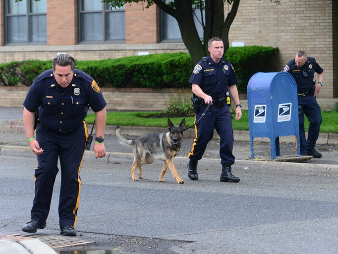 Hackensack Police and Bergen County K9 Unit search