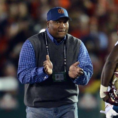 Bo Jackson says he worries about fellow Auburn Heisman