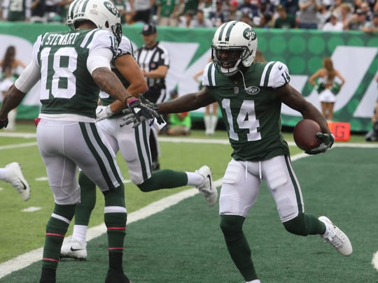 ArDarius Stewart and Jeremy Kerley celebrate a Kerley TD in the first half.