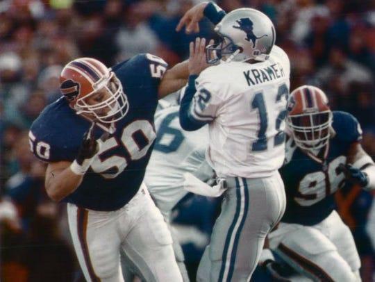 Buffalo Bills linebacker Ray Bentley (50) pressures