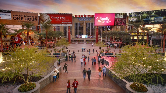 The Arizona Coyotes hockey team moved to Glendale in 2003.
