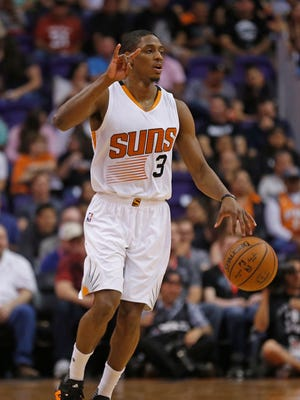 Suns' Brandon Knight (3) calls out a play to his team against the Grizzlies in the first half at Talking Stick Resort Arena in Phoenix, Ariz. on Monday, March 21, 2016.
