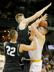 Northern Kentucky Norse forward Drew McDonald (34)
