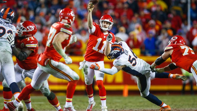 A clash between the Broncos and the Chiefs ends Week 8's NFL action.