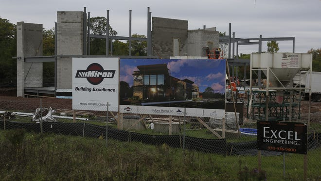 Choice Bank is under construction at State 21 and Emmers Lane