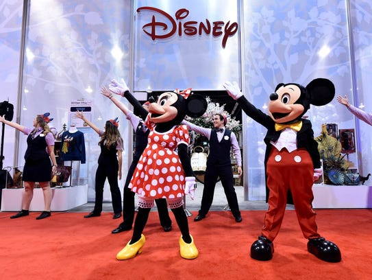 Here's the real deal: Minnie and Mickey open the Disney