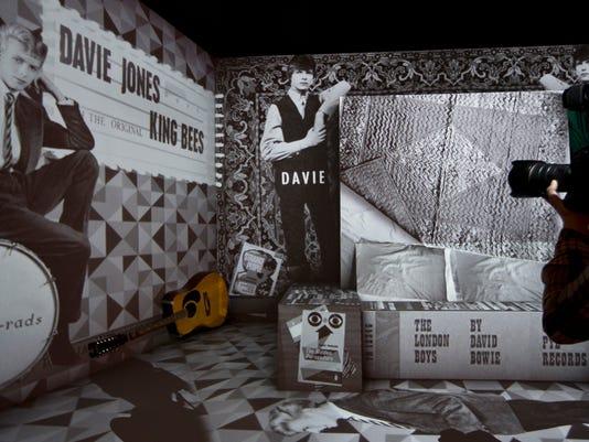 -TDSTab_04-19-2013_Weekend_1_WE028~~2013~04~17~IMG_-Britain_David_Bowie_1_1_.jpg