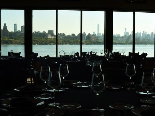 Restaurant review mitchell 39 s fish market in edgewater for Mitchell s fish market edgewater