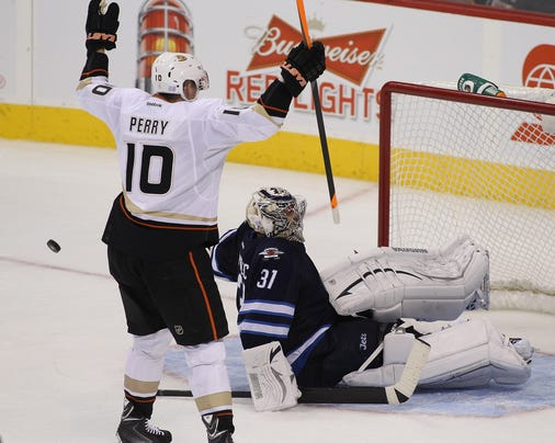 2013-10-06-corey-perry-goal
