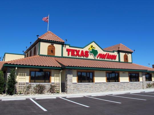 Texas Roadhouse on Restaurant Row along Collier Boulevard