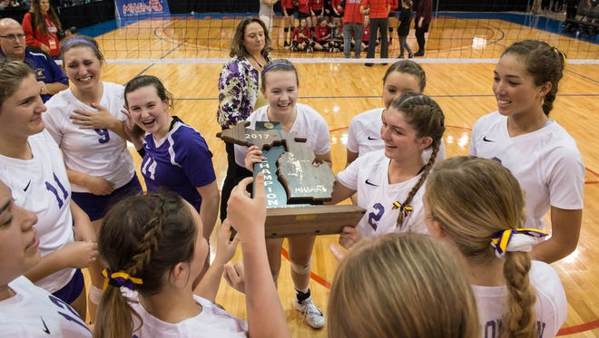 Bronson Three-Peats for the MHSAA Class C Volleyball Championship on Saturday.