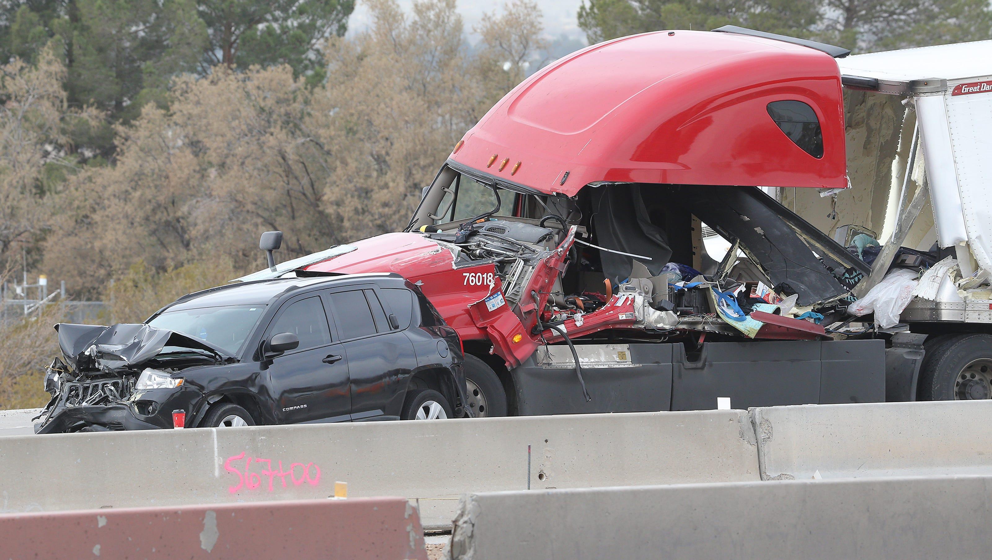 Man Woman Die In Crash On I 10 East Near Americas