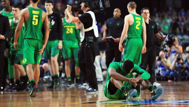Dylan Ennis #31 of the Oregon Ducks reacts after being defeated by the North Carolina Tar Heels during the 2017 NCAA Men's Final Four Semifinal at University of Phoenix Stadium on April 1, 2017 in Glendale, Arizona. North Carolina defeated Oregon 77-76.