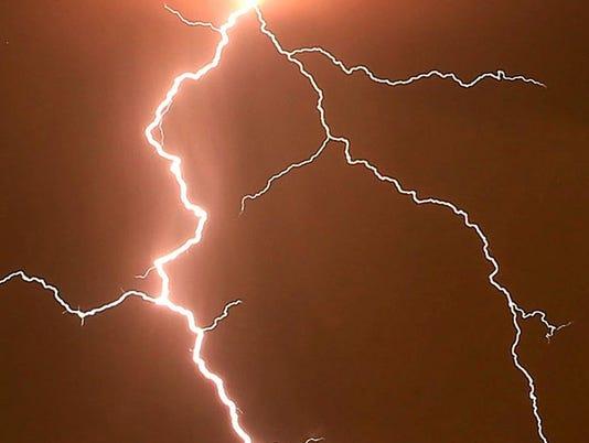 636389239781365173-lightning.jpg