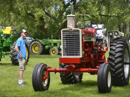 STC 0608 Tractor Show 1