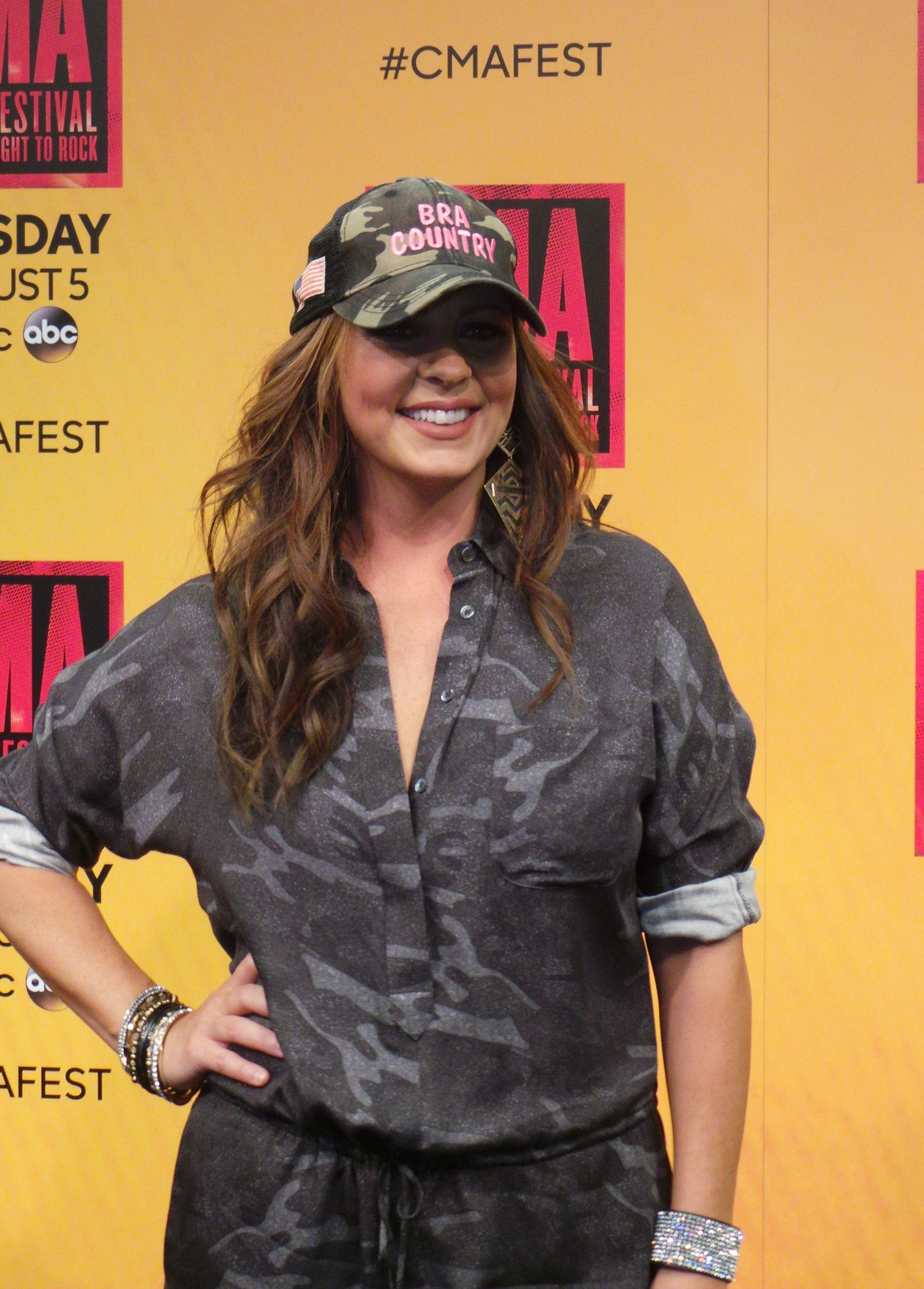 Sara Evans, 'Slow Me Down': Track-By-Track Review | Billboard