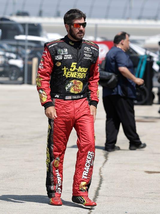 NASCAR_Chicagoland_Auto_Racing_38409.jpg