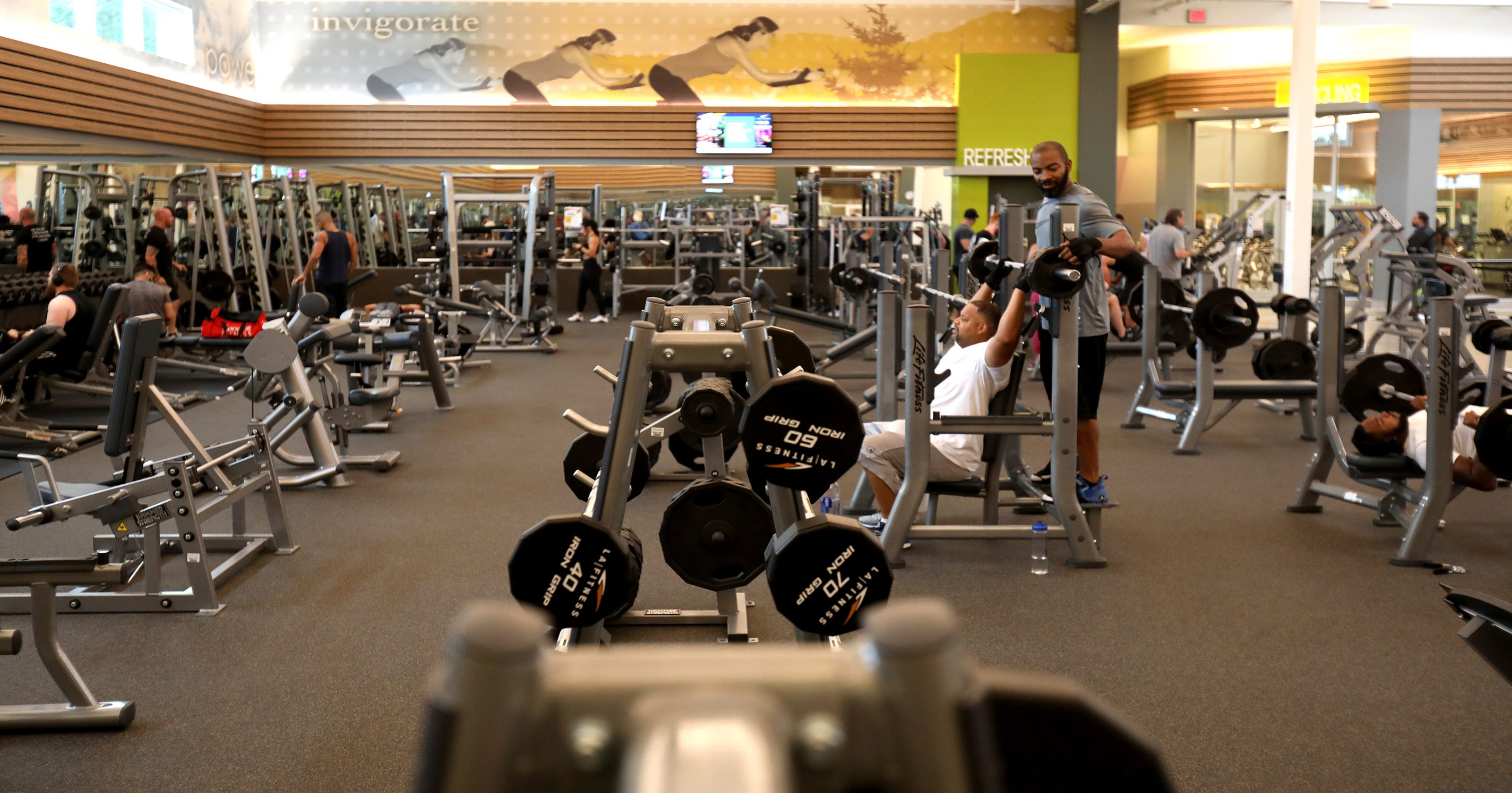 Cheap and high end gyms keep expanding in michigan detroit