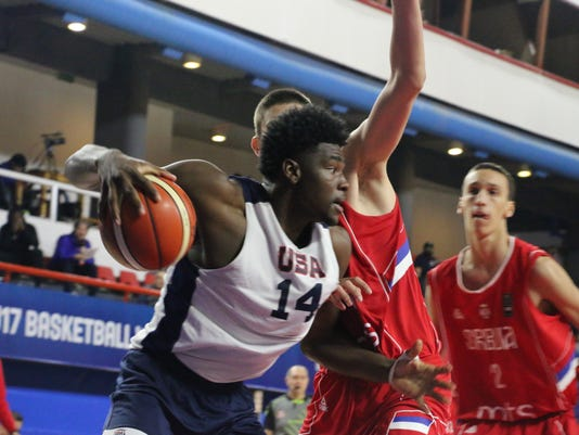 Isaiah Stewart with Team USA U-17 basketball team at 2017 World Cup tournament