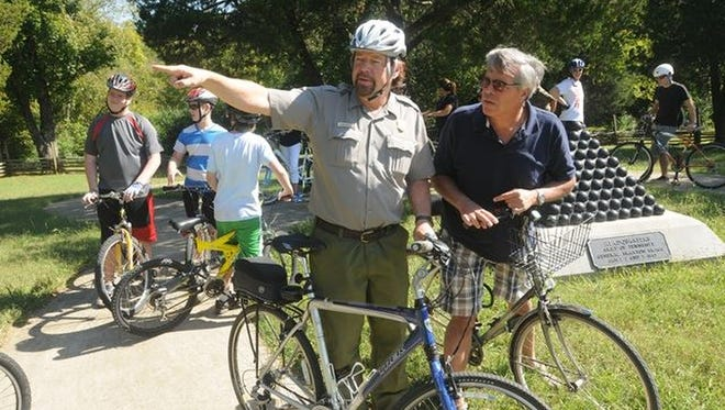 Stones River National Battlefield in Murfreesboro presents a ranger-led bicycle tour on Saturdays.