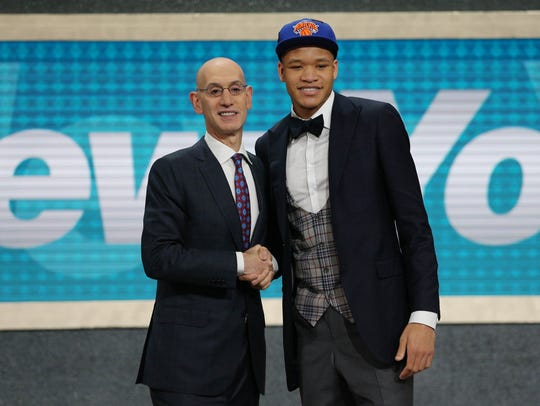 Kevin Knox (Kentucky) greets NBA commissioner Adam