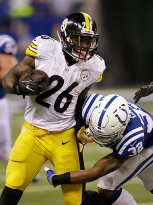 Running back Le'Veon Bell is hinting that he could soon return to the Pittsburgh Steelers. AP FILE PHOTO