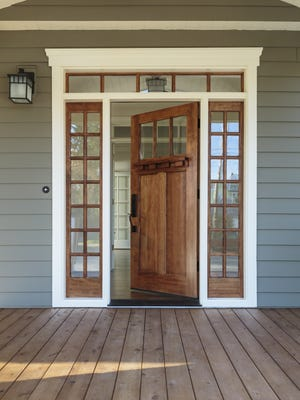 To make that great first impression, boost the curb appeal to home easily by creating a welcoming front entrance.