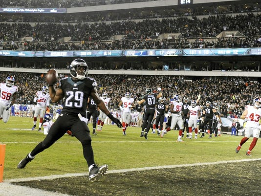 Philadelphia Eagles running back DeMarco Murray scores a touchdown against the New York Giants on Monday in Philadelphia. The Eagles beat the Giants, 27-7.