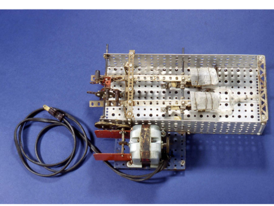 The Sewell Heart Pump, co-created by William Glenn, was an early artificial heart and it successfully bypassed the right side of a dog's heart and kept the heart functioning for over 80 minutes, with the animal making a full recovery.