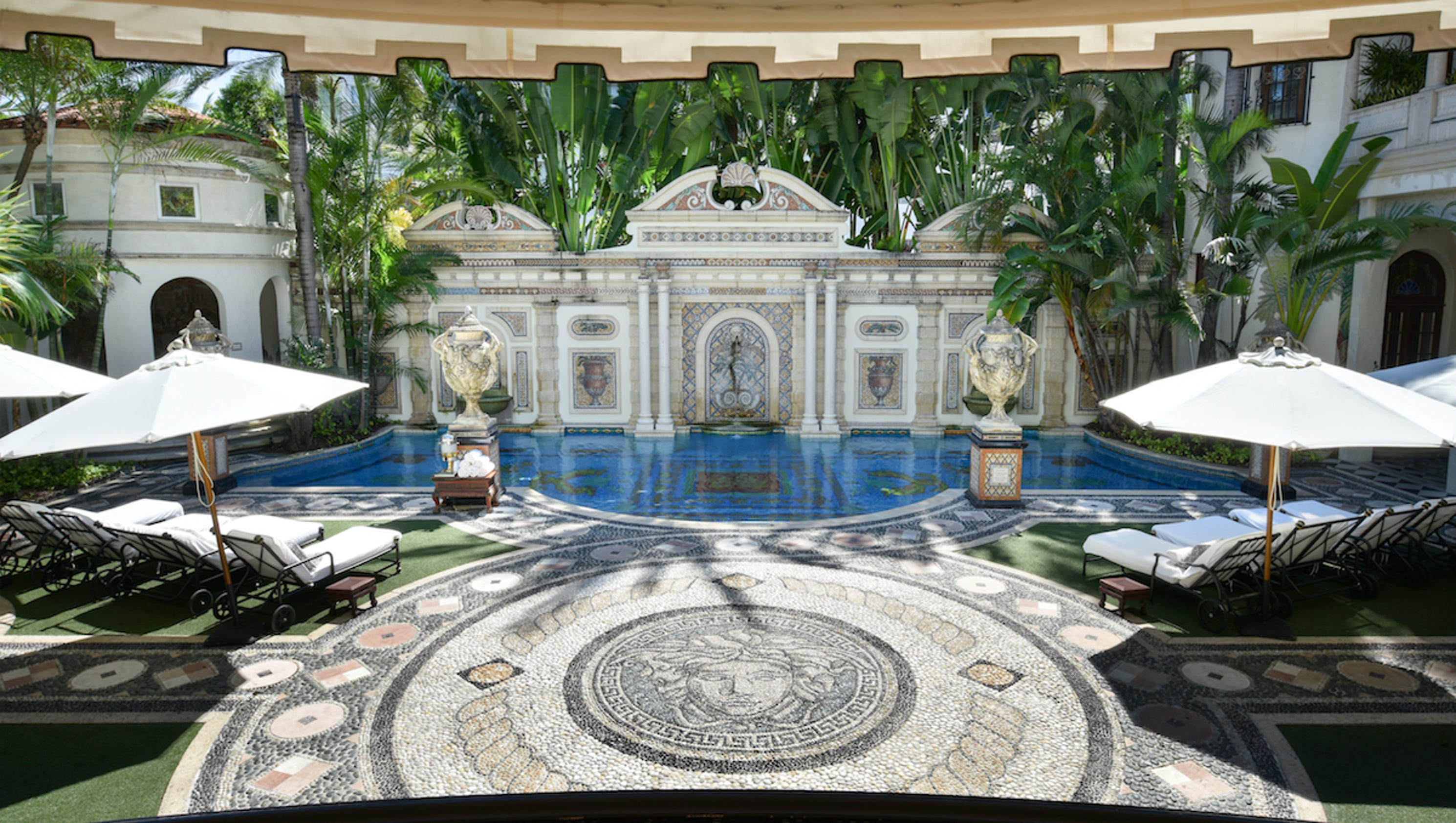 the gianni versace mansion is now a hotel here 39 s a look. Black Bedroom Furniture Sets. Home Design Ideas