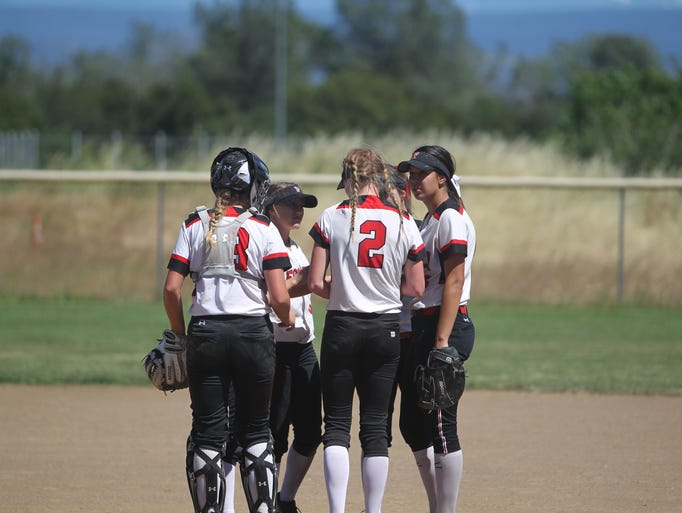 Foothill defeats Red Bluff 9-3 in the D-III softball