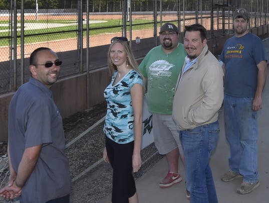 636621721462930438-DCA-0519-the-hill-raceway-promoters.jpg