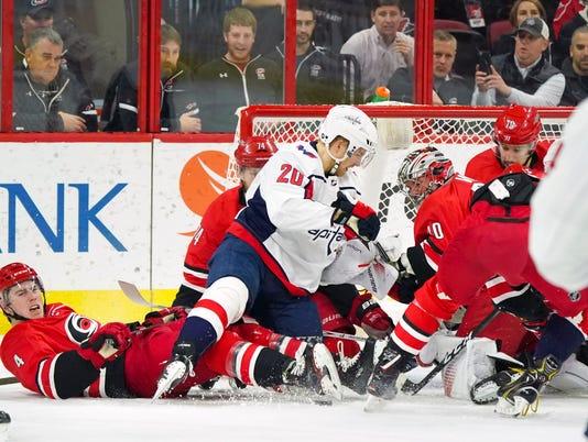 USP NHL: WASHINGTON CAPITALS AT CAROLINA HURRICANE S HKN CAR WSH