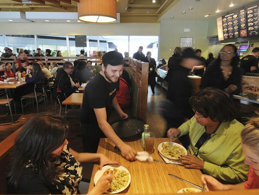 Dining trends 2017 - Diners at Noodles & Company