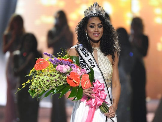 Miss District of Columbia USA 2017 Kara McCullough reacts after being crowned Miss USA 2017.