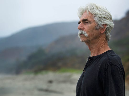 Over-the-hill actor Lee Hayden (Sam Elliott) stages