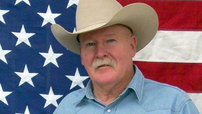 Cowboy humorist and poet Chris Isaacs will perform at 6 p.m. on Thursday, March 1 at Luna Rossa Winery in Deming.
