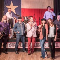 Shinyribs swaggers, winks and boogies into Fifth & Thomas