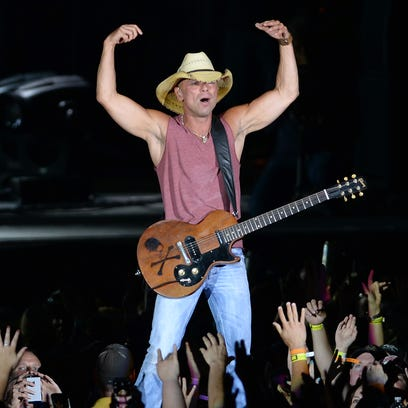 Kenny Chesney returned to Lambeau Field for a show